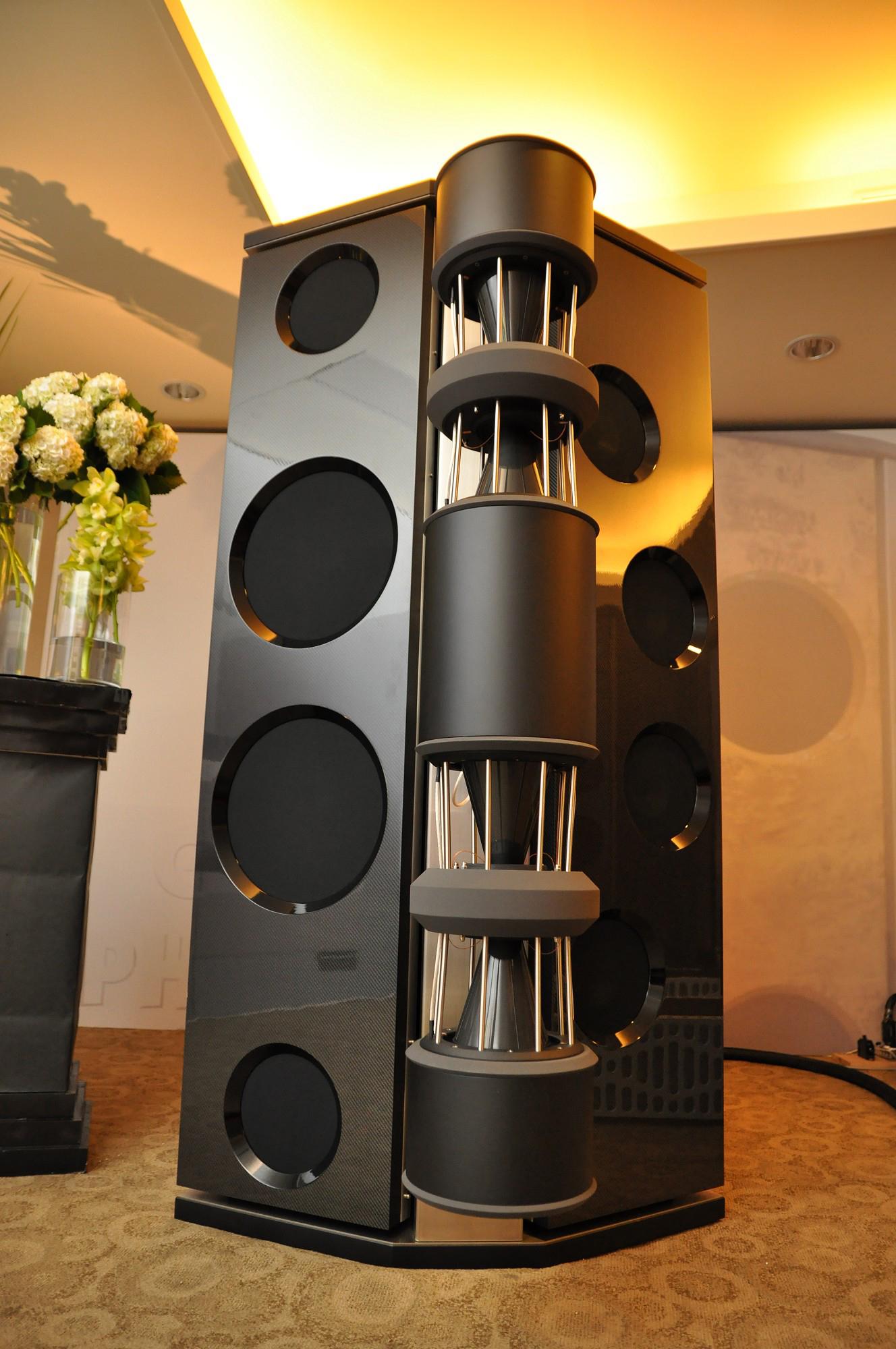 Emperor MK II loudspeaker in carbon fibre | Taiwan Audio Show 2011