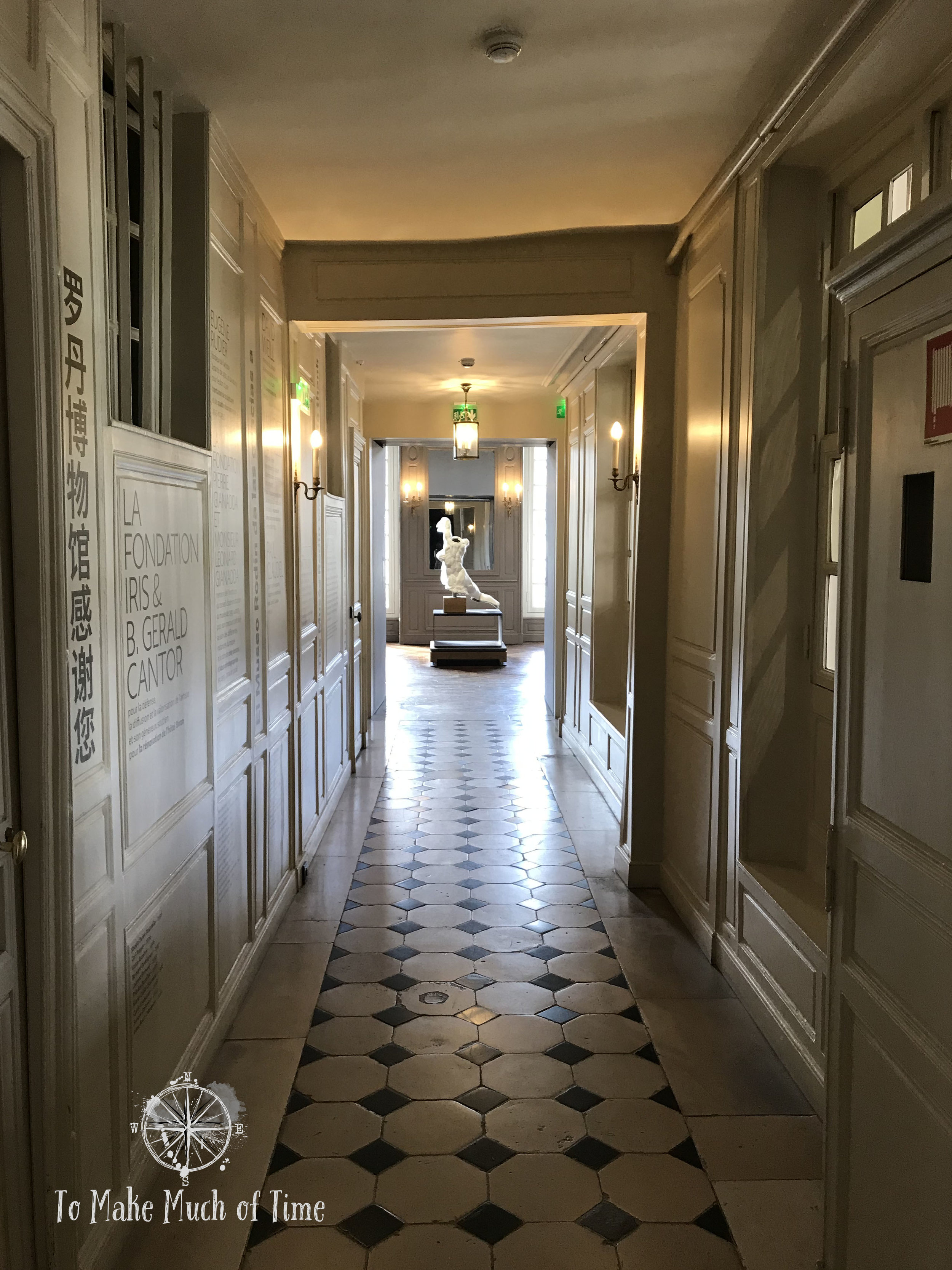 Musee Rodin houses a large collection of sculptures, drawings, and photography.
