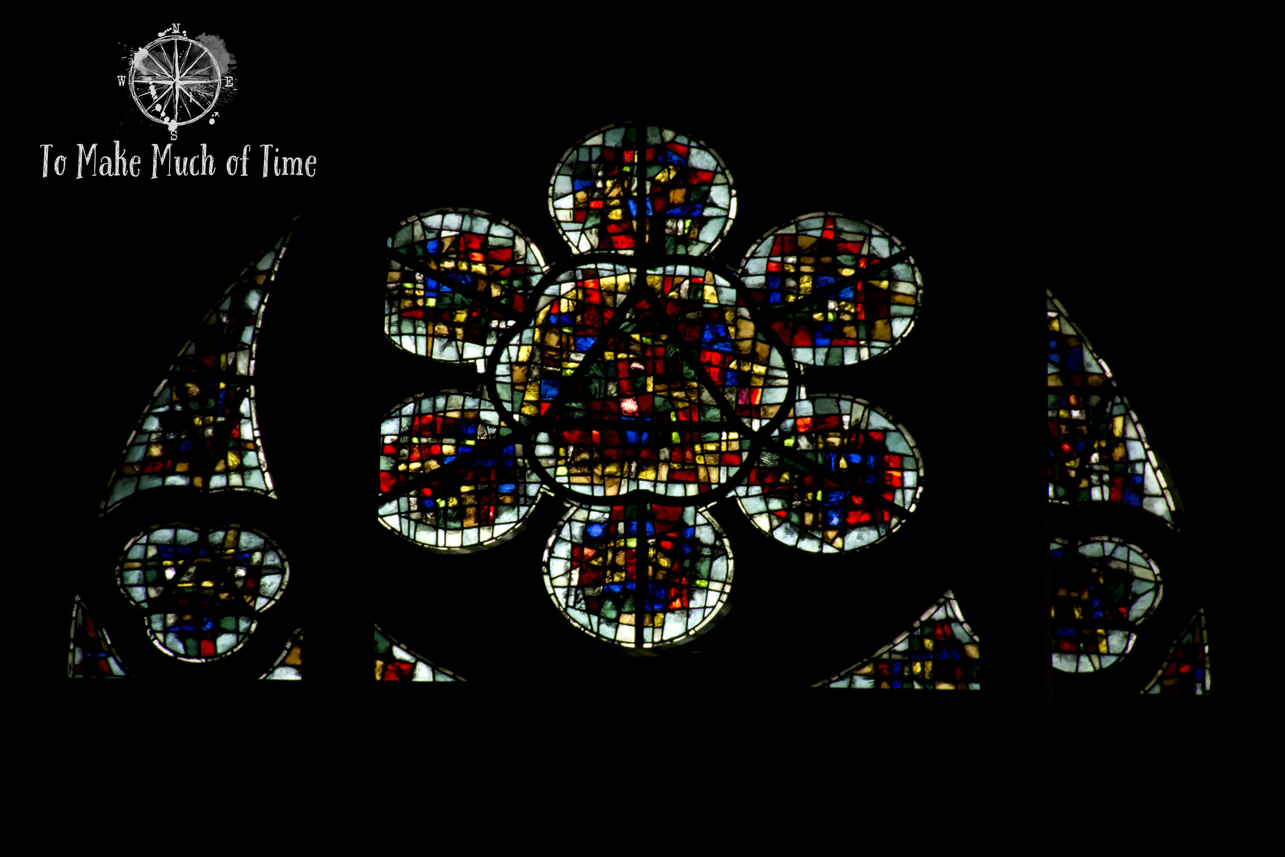 While they are all beautiful, the difference in craftsmanship between the windows of Notre-Dame is incredible.