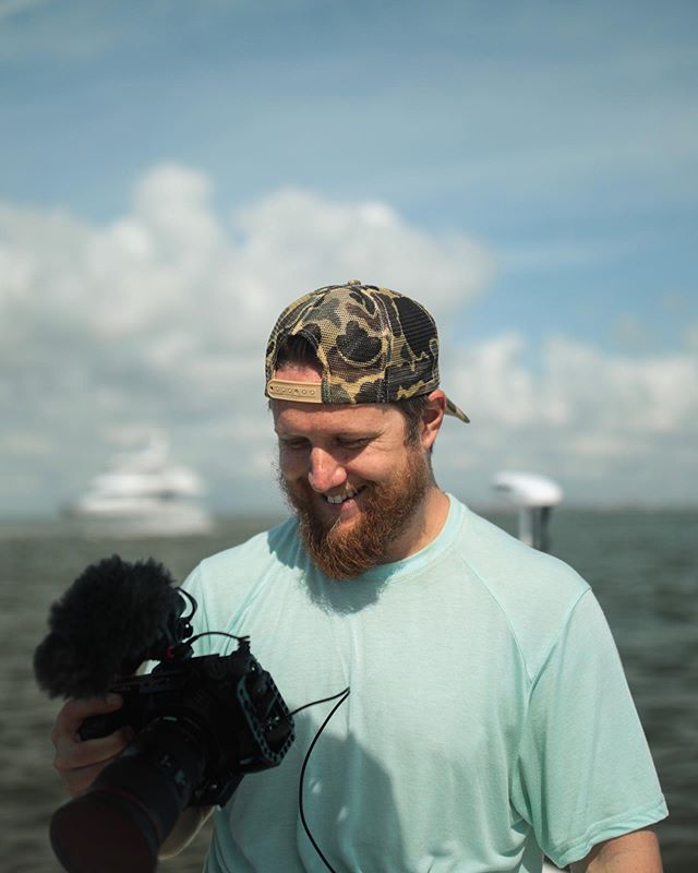 Tyler in his happy place. On the water with camera in hand. Happy Friday, friends! 🤙🏼 . . #yeeyee #dowhatyoulove #charlestonlife #charlestonsc #chucktown #dreamjob #outdoorlife #getoutsidemore #dontquityourdaydream #outdoorvideography #charlestonsmallbusiness #outdoorlifestyle #mtpleasant #awendaw #bmpcc4k #charlestonfishing