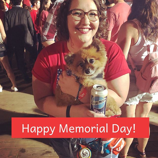 ~vibes~ brews and @fox.bear.dog are the ultimate Memorial Day combo! 🇺🇸🍻 . . . #memorialdayweekend #mondaymotivation #vibes #usa #pcss #popculture #podcast #womenincomedy