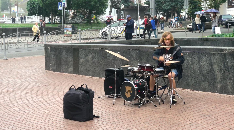 Street musician in Kyiv, Ukraine