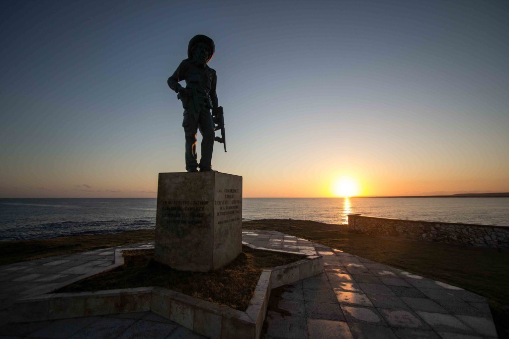 A sunset in Cuba, monument