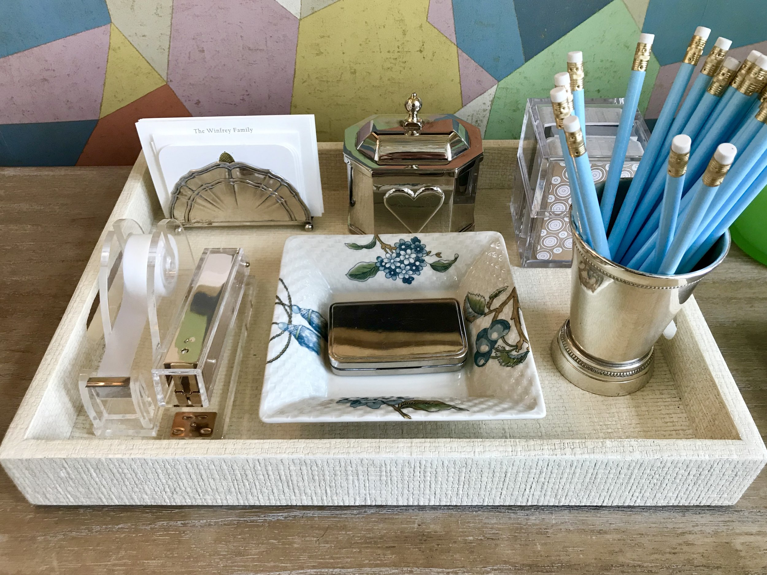 desk supplies tray.jpg