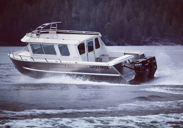 One of our Discovery Pleasure 2700 models out for a sea trial before being fitting out for all the radar and electronics. Hope everyone's week is off to a good start! #lifetimerboats #lifetimer #discovery #pleasure #aluminum #westcoast #fishing #crabbing #cruising #boatlife #metalmonday #pacificnorthwest