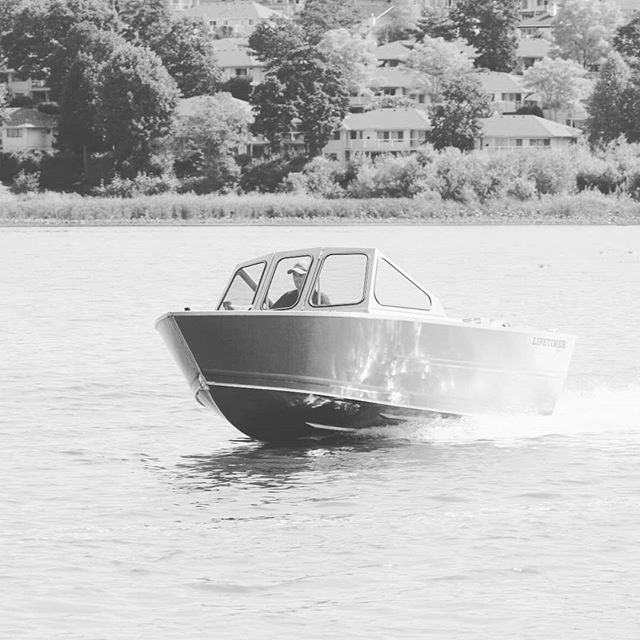 One of our 1800 Runabouts out for a rip a few years back. This model is quite versatile with a nice price point. Hope everyone is ready for the weekend! Check out website www.lifetimerboats.com and see which one of our boats is for you. #lifetimerboats #boatlife #runabout #aluminumboat #shiny #blackandwhite #pnw #explore #westcoast #fishing