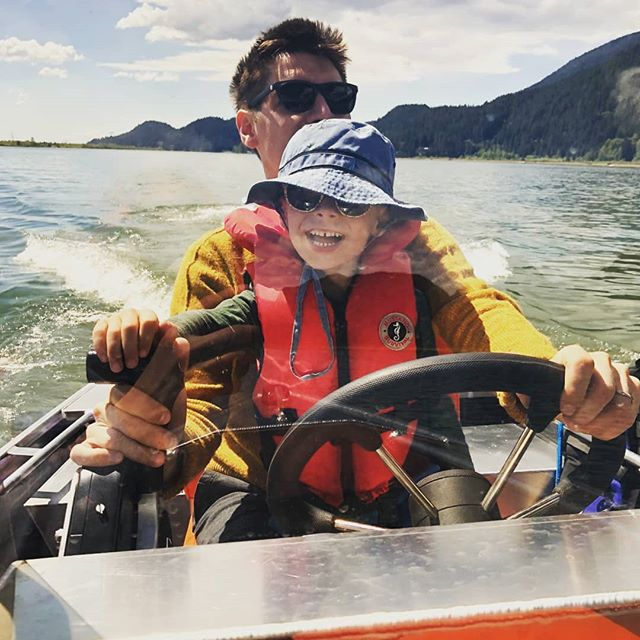 Some of our very happy customers out for a ride on their new 14' center console! Little man's face says it all. Happy Saturday! #Lifetimer #lifetimerboats #happycustomer #happykid #aluminumboat #westcoast #boatlife