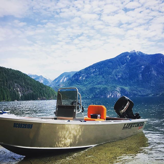 One of our 14' Centre Console models chilling at Pitt Lake. Yet another reason you need to get a Lifetimer this summer! #lifetimerboats #Lifetimer #aluminum #aluminumboat #centerconsole #pnw #lakelife #boatlife #fishing #Suzuki #beautifulbc