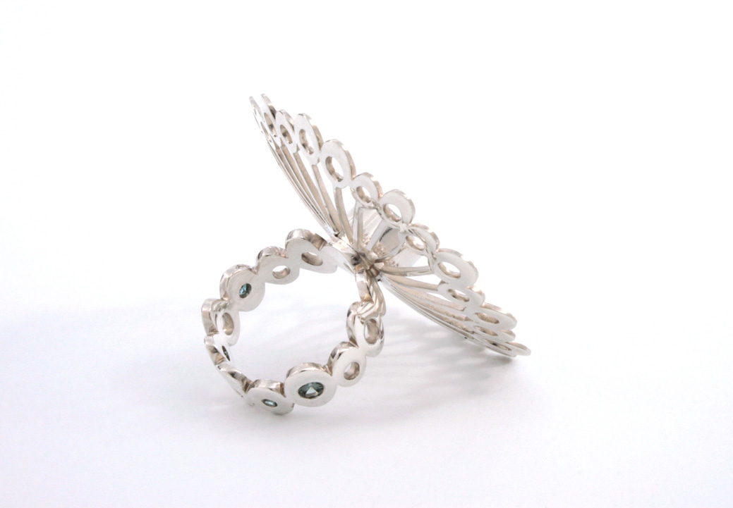 Doris Jurzak, Radiate ring III, 2014, 925 silver, sapphires, topaz