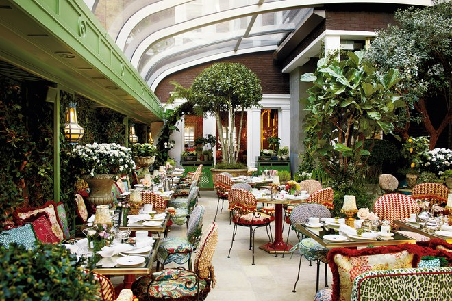 Anabel's. 46 Berkeley Square, Mayfair, London W1J 5AT,Photo  Vogue .