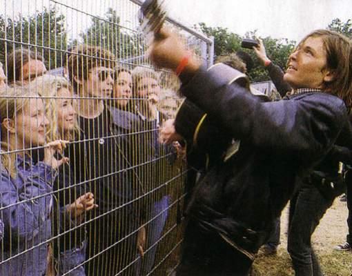 evan dando glastonbury 1995.jpg