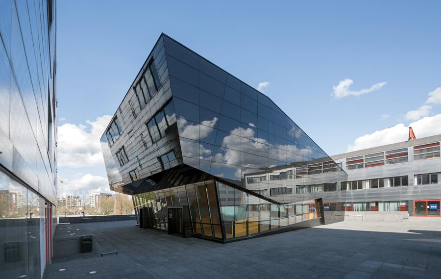 focus-archi-magazine-architecture-Auditoire-Jean-NILE-EXT-2-Marie-Francoise-Plissart.jpg