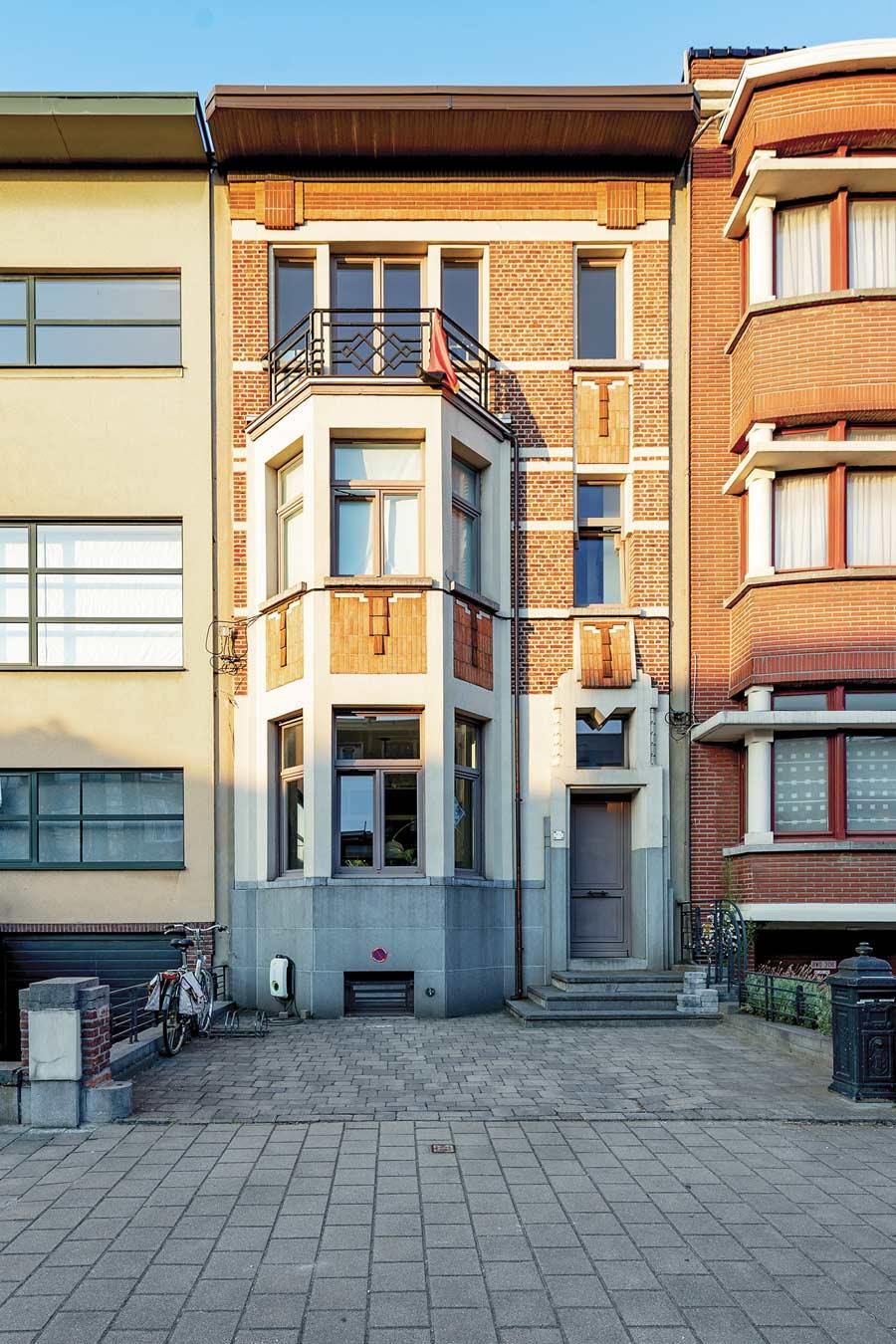 focus-archi-magazine-architecture-polygoon-facade-exterieur-cote-rue.jpg