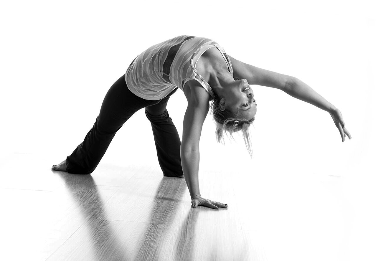 """YOGA -Dorota Rozko - """"A wise girl knows her limits, a smart girl knows that she has none."""