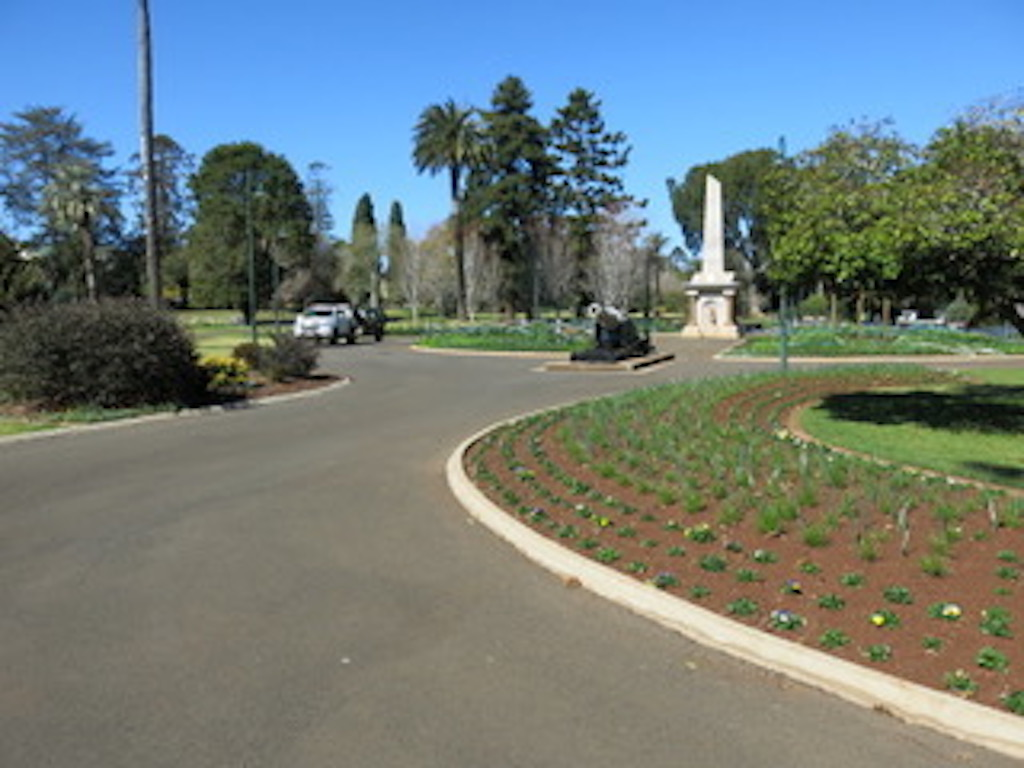 queen's park, focus of our famous carnival of flowers: 21-30 september 1.5km walk via scenic east creek