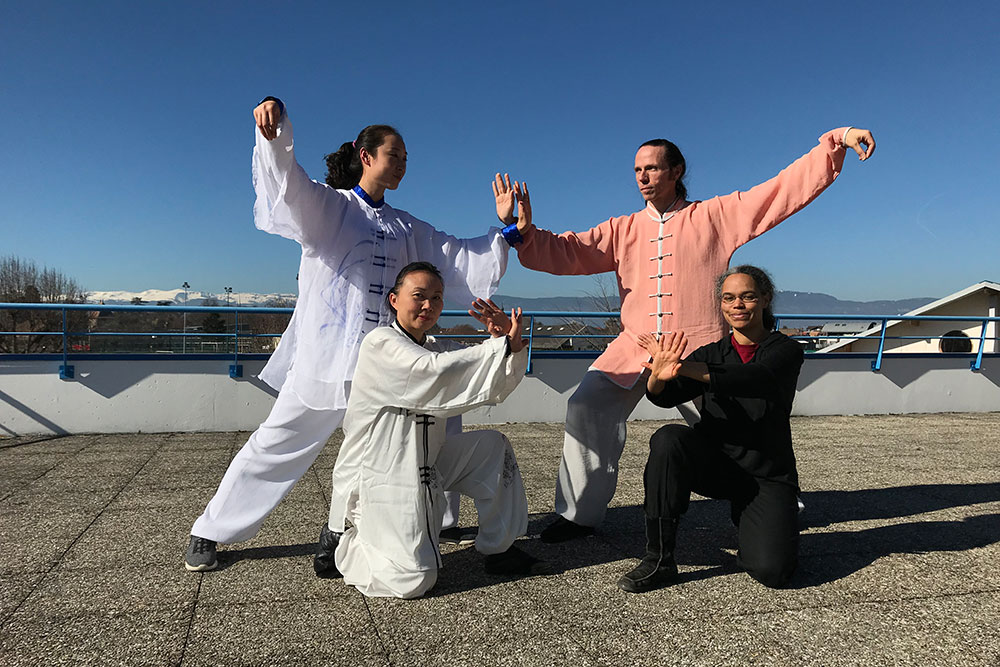 Stage-Qi-Gong-Jade-Wang-pose-groupe.jpg