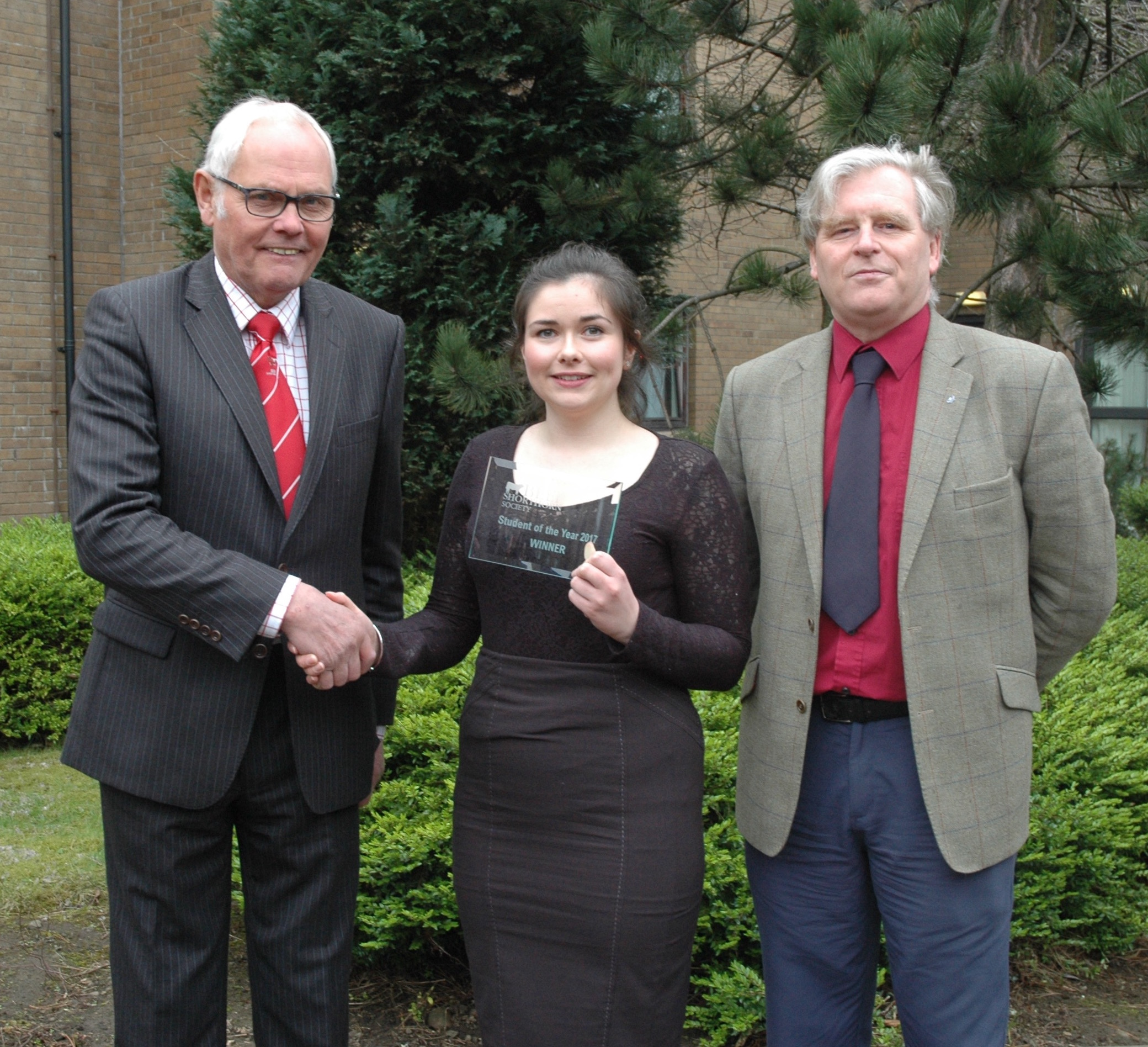 Beef Student of the Year winner, Orla Kelly receives her award from Beef Shorthorn Society's Geoff Riby and QMS' Stuart Ashworth