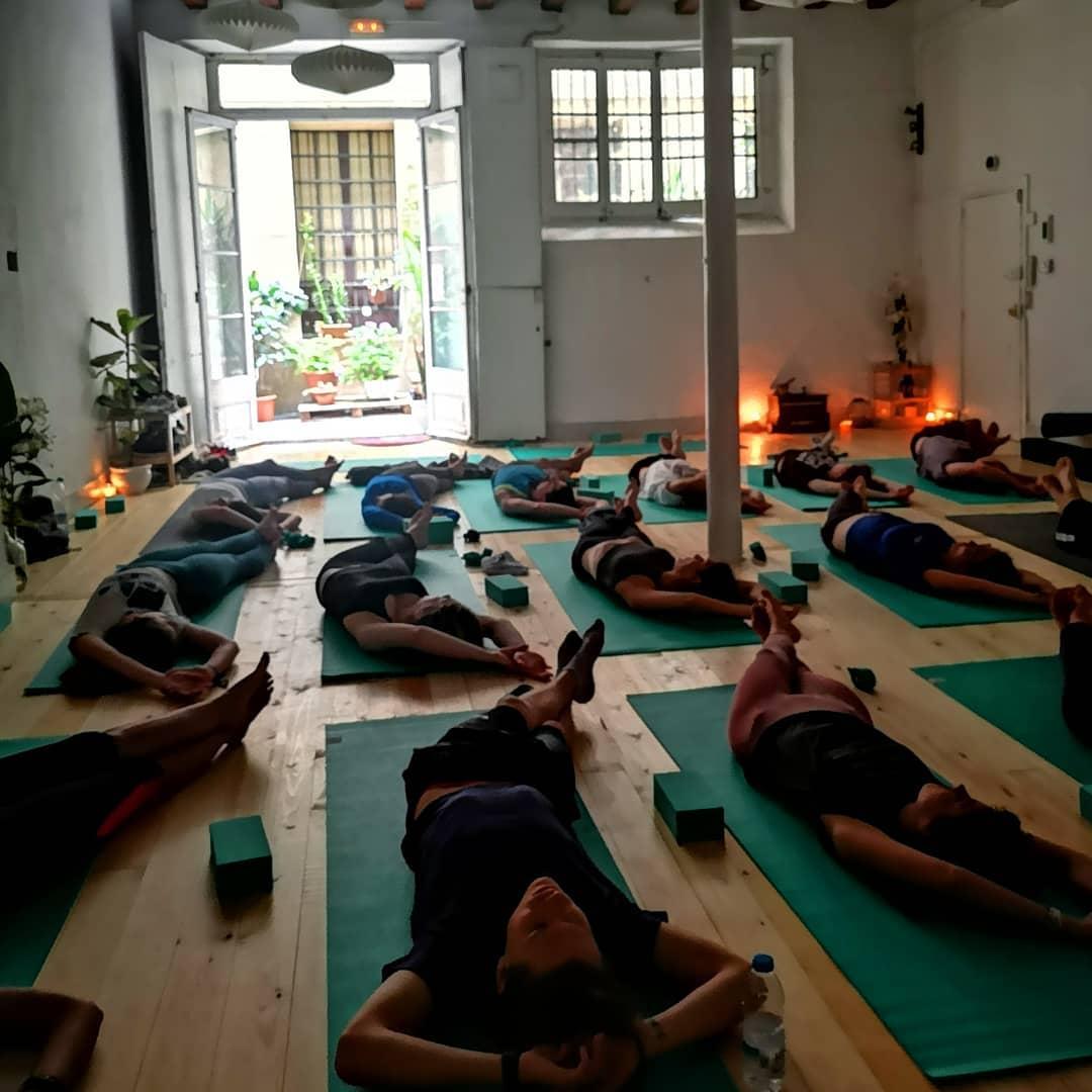 yin yoga barcelona.jpg