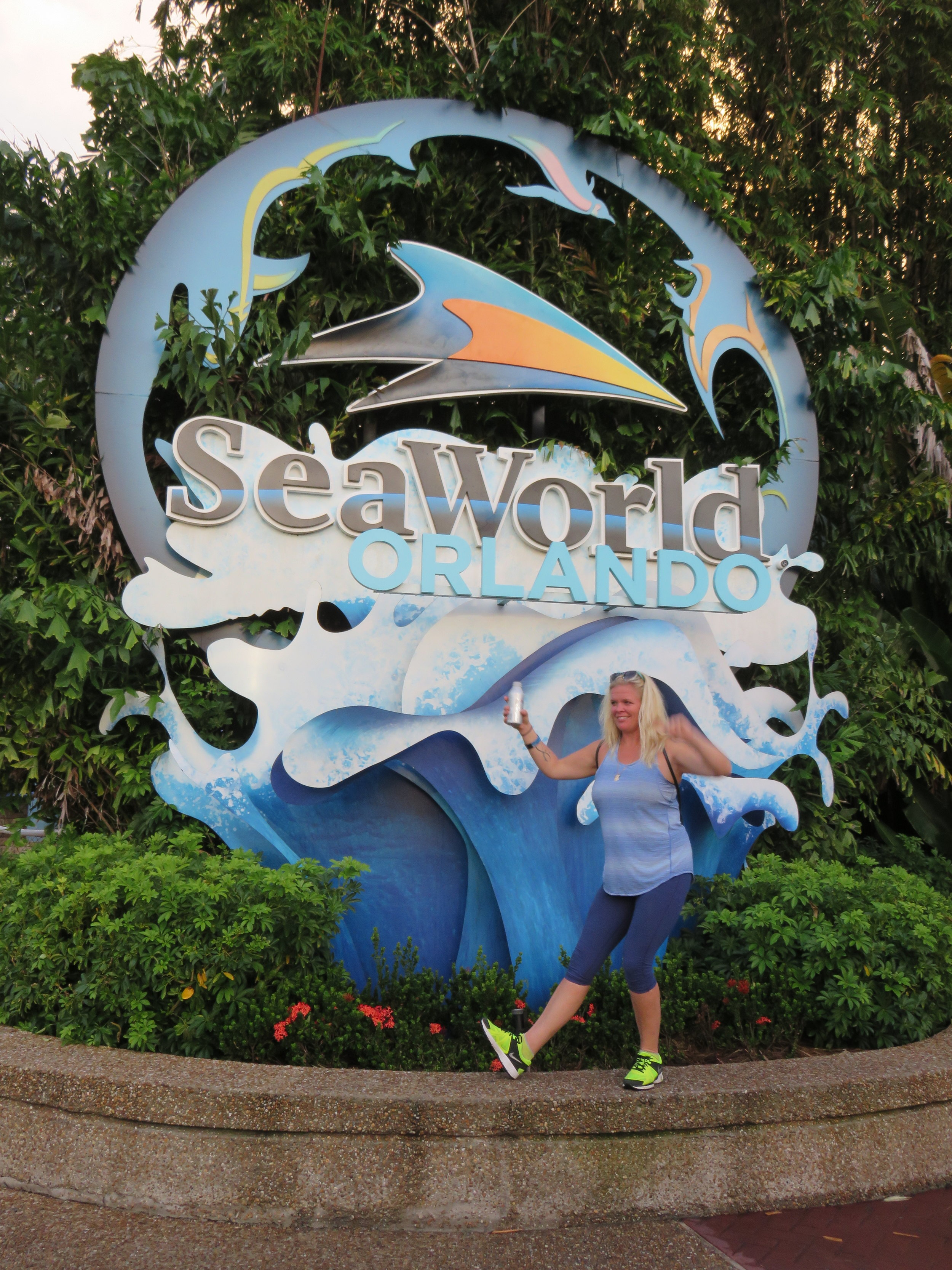 0 - SW - Cassie at the sign.JPG