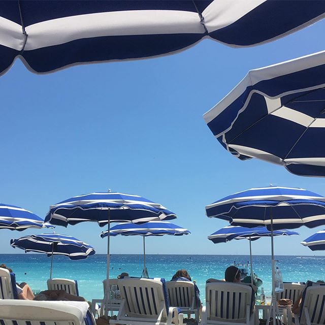 Current view at Plage Beau Rivage, Nice.  Sea is particularly gorgeous colour today!  Lovely lunch with friends and fun at the beach.@plagebeaurivagenice #frenchriviera  #cotedazur #nicefrance