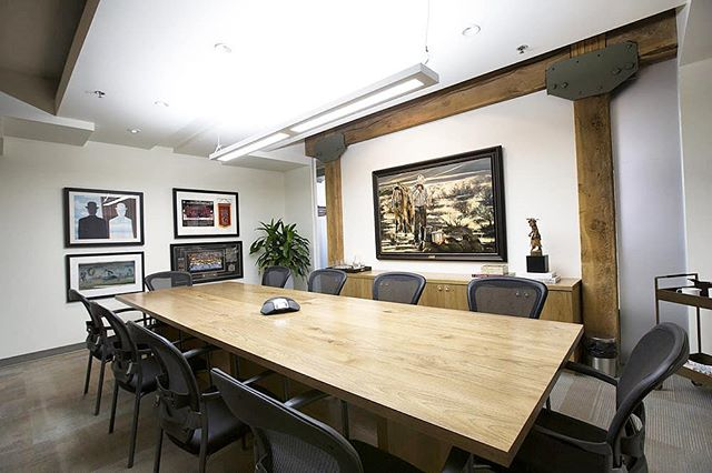 BOARDROOM || The renovations we completed at Amp Financial included an overhaul on the boardroom. • • • #mcleodbuilders #mcleodbuilt #mcleodandproud #amp #finance #finances #financialfreedom #ampfinancial #calgary #calgaryalberta