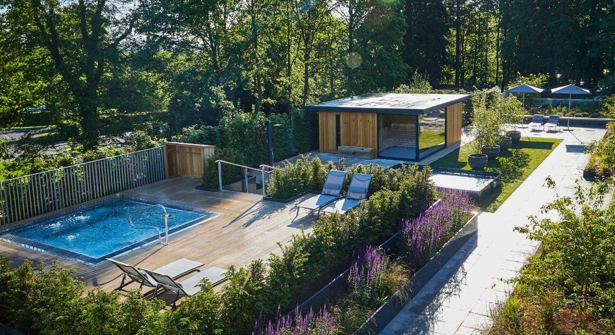 1-image-roof-top-spa-garden-spa-bath-sauna-cabin-2.jpg