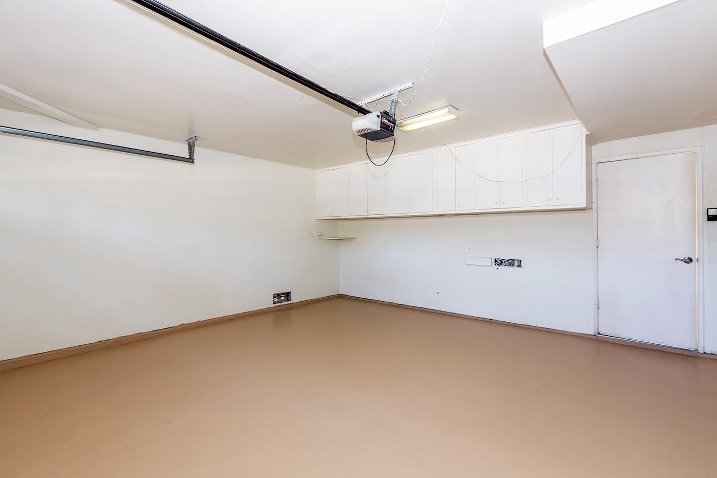 14 garage.jpg