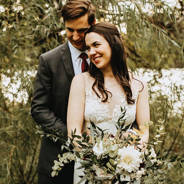One of my favorites from Megan and John's wedding last November ❤️. . . . . #austinflorist #austinwedding #austinbride #austintexas #flowerstagram #floral #dsfloral #floraldesign #instaflowers #arrangement #flowers #florist #underthefloralspell #inspiredbypetals