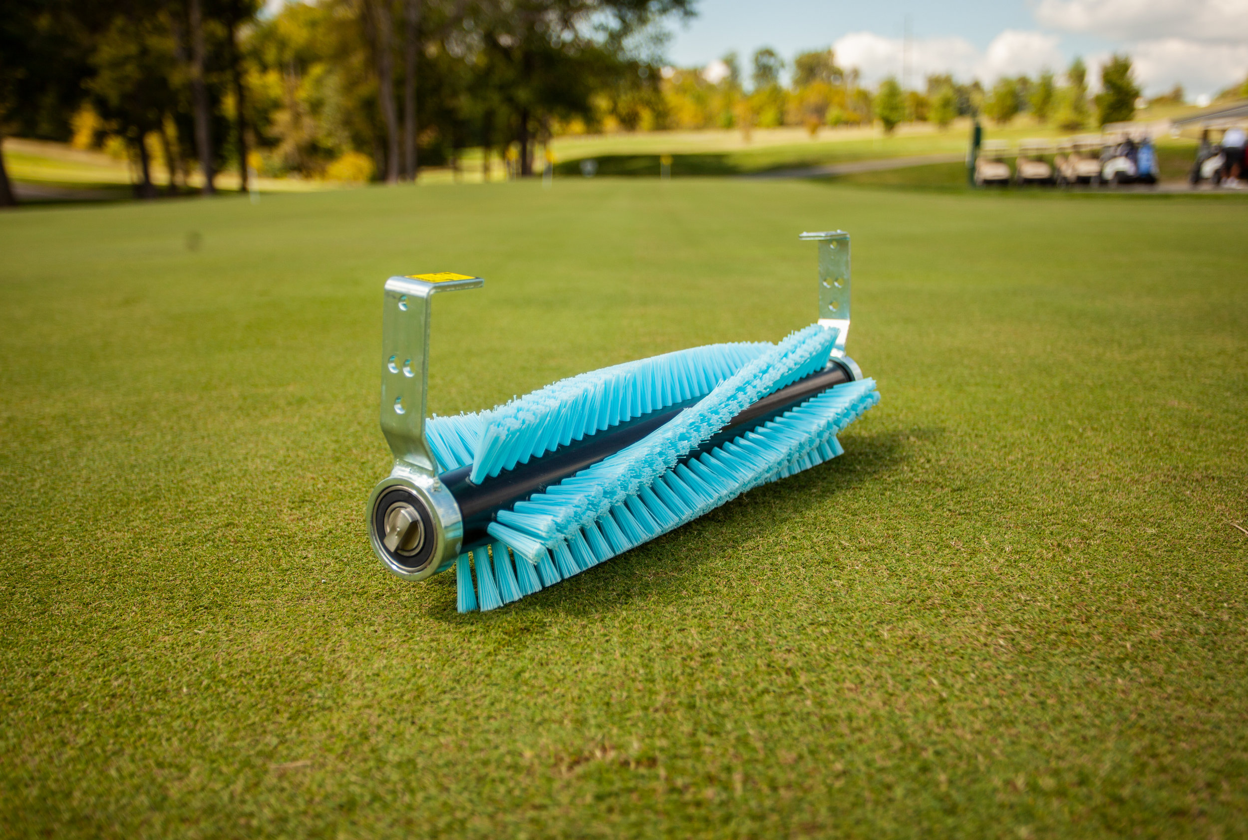 Firm Vacu-Brush™ - We like to provide options for our customers, so we now have three types of Vacu-Brushes™ available for different applications. Use our firm brush to groom the turf, collect large debris, and remove poa annua seeds along with excess topdressing. To incorporate sand topdressing, remove your mower's grass baskets and use the Vacu-Brush™ to work the sand into the canopy.Usual Working Depth: 0 – Bristles should just lightly skim the top of the turf.
