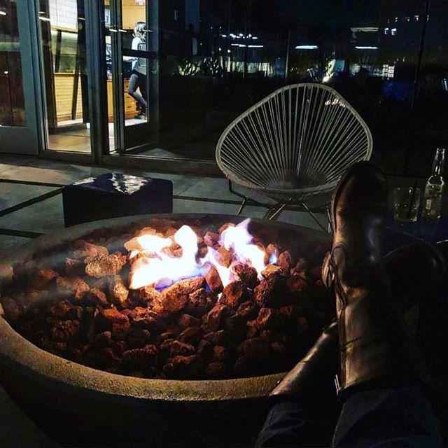 Índigo Nights 📷 @maggieasfahani • #TheFifthStory #HotelIndigo #Itsallgoodep #DowntownElPaso