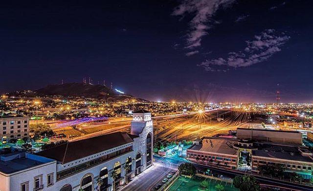 EPTX from the roof 📷 @flipintexfotos  #HotelIndigoElpaso #Itsallgoodep #ElPasoTexas #FranklinMountainsStatePark