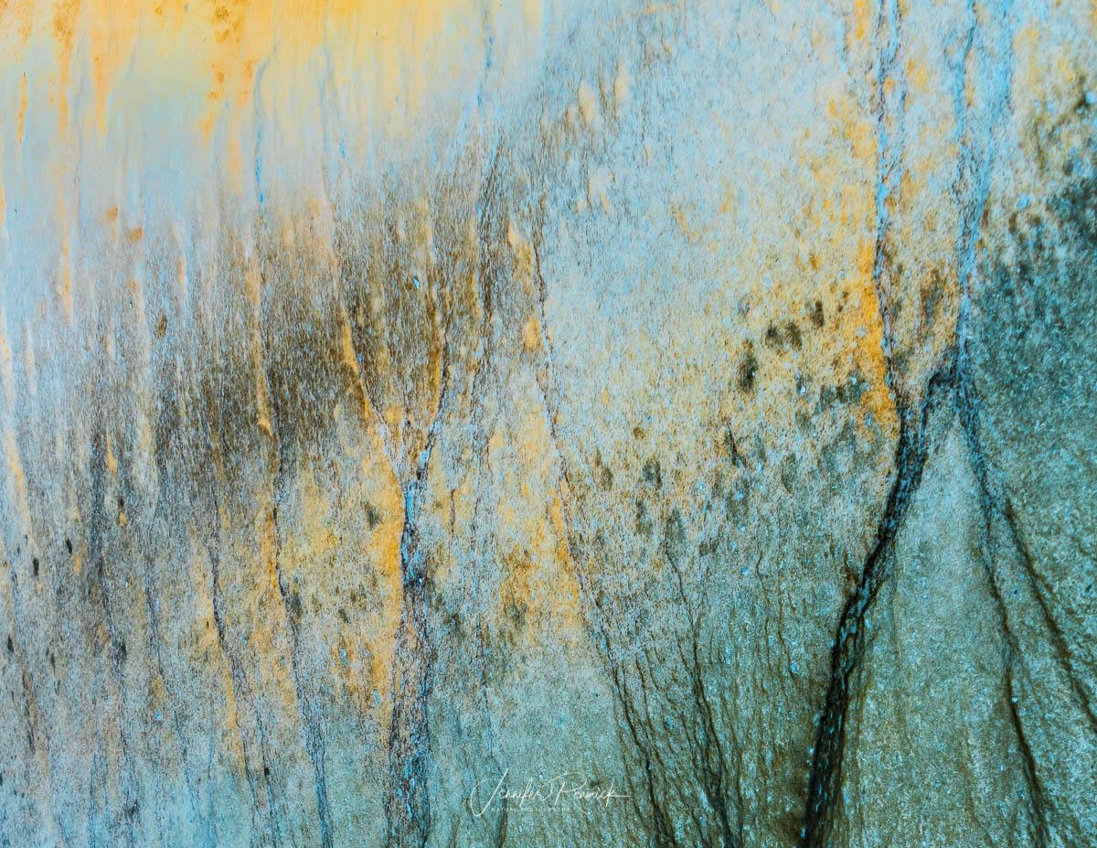 Graffiti / Jennifer Renwick / Bacteria create a chaotic pattern on the floor of a terrace spring