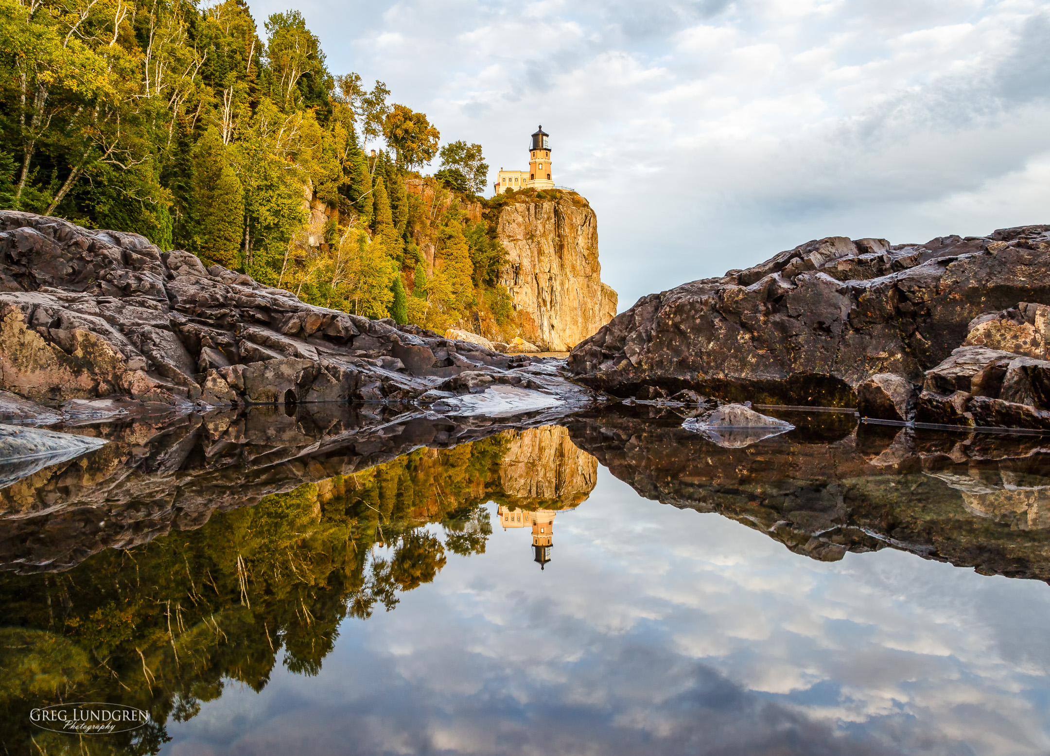 Split Rock Lighthouse Reflection / Greg Lundgren