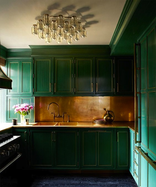 cameron-diaz-green-kitchen-1.jpg