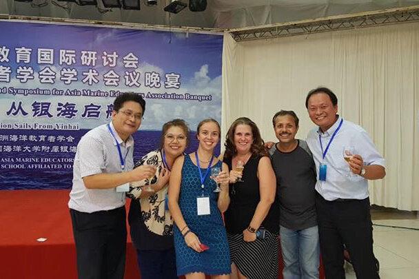 Yong Ma (China), Angelica Baylon (Phillippines), Géraldine Fauville (USA), Meg Marrero (USA), Mohammed Uddin (Bangladesh), and Ray Yen (Taiwan) enjoy the conference banquet.