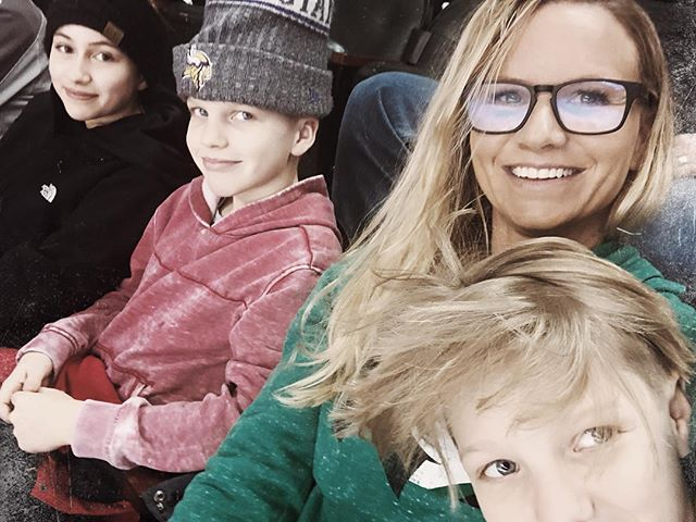 """🏒Go UND Hockey 🏒  I promised my Rushy boy At the beginning of the season That I would make time for a UND Hockey date.  Well, we got the game in on the  Last home game.  Date turned into him bringing his friend, """"Autumn"""" and so I brought Micah too. 😂  #gofightingsioux"""