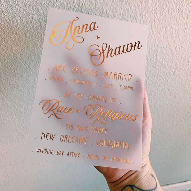 Check out these rose gold foil on vellum invites we printed ✨.⠀⠀⠀⠀⠀⠀⠀⠀⠀ .⠀⠀⠀⠀⠀⠀⠀⠀⠀ .⠀⠀⠀⠀⠀⠀⠀⠀⠀ .⠀⠀⠀⠀⠀⠀⠀⠀⠀ .⠀⠀⠀⠀⠀⠀⠀⠀⠀ .⠀⠀⠀⠀⠀⠀⠀⠀⠀ .⠀⠀⠀⠀⠀⠀⠀⠀⠀ .⠀⠀⠀⠀⠀⠀⠀⠀⠀ #foil #hotfoil #rosegold #rosegoldfoil #rosegoldweddinginvite #neworleanswedding #raceandreligious #weddingstationery #weddinginvite #stationery #stationerylove