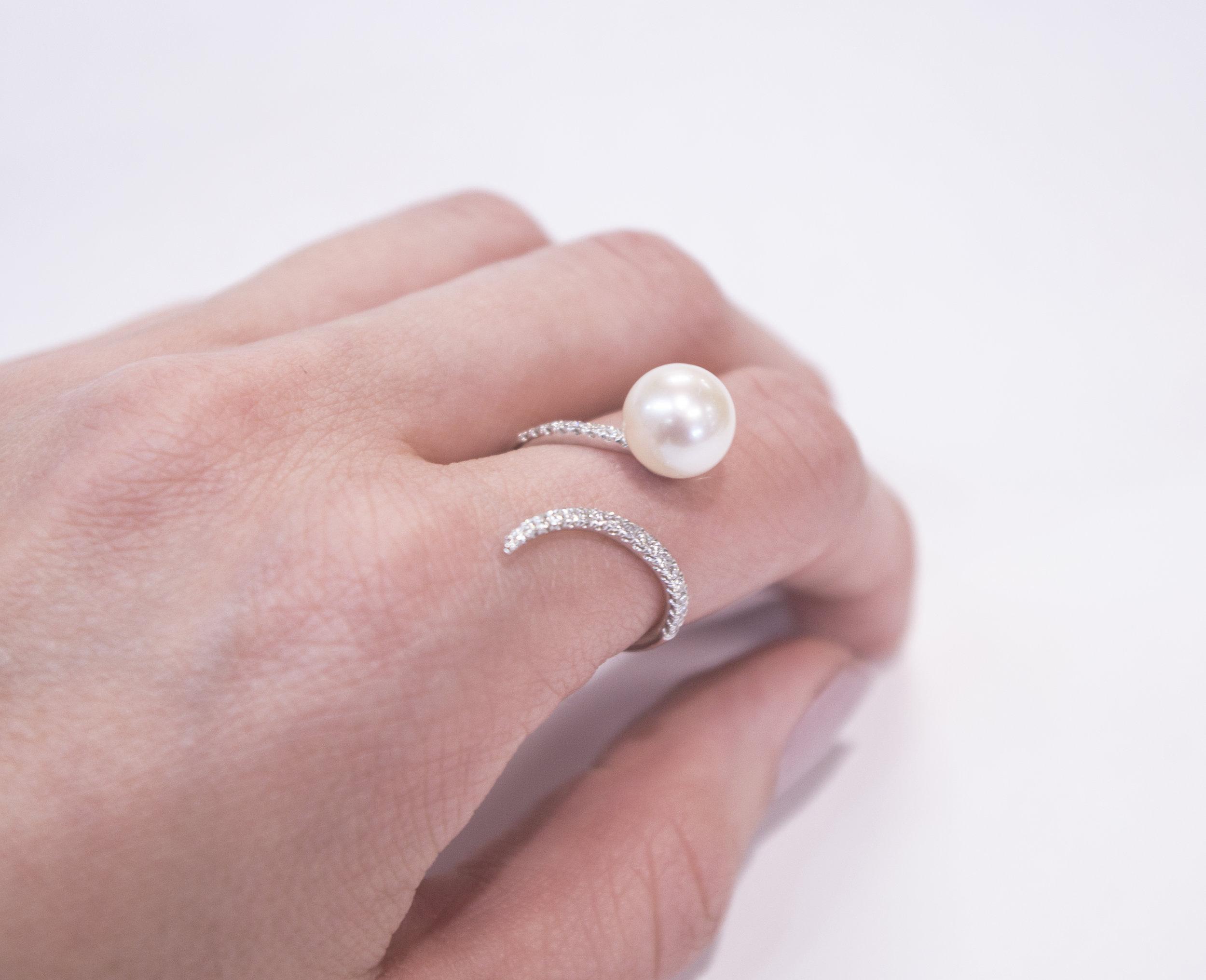 Modern Dia and pearl ring.JPG