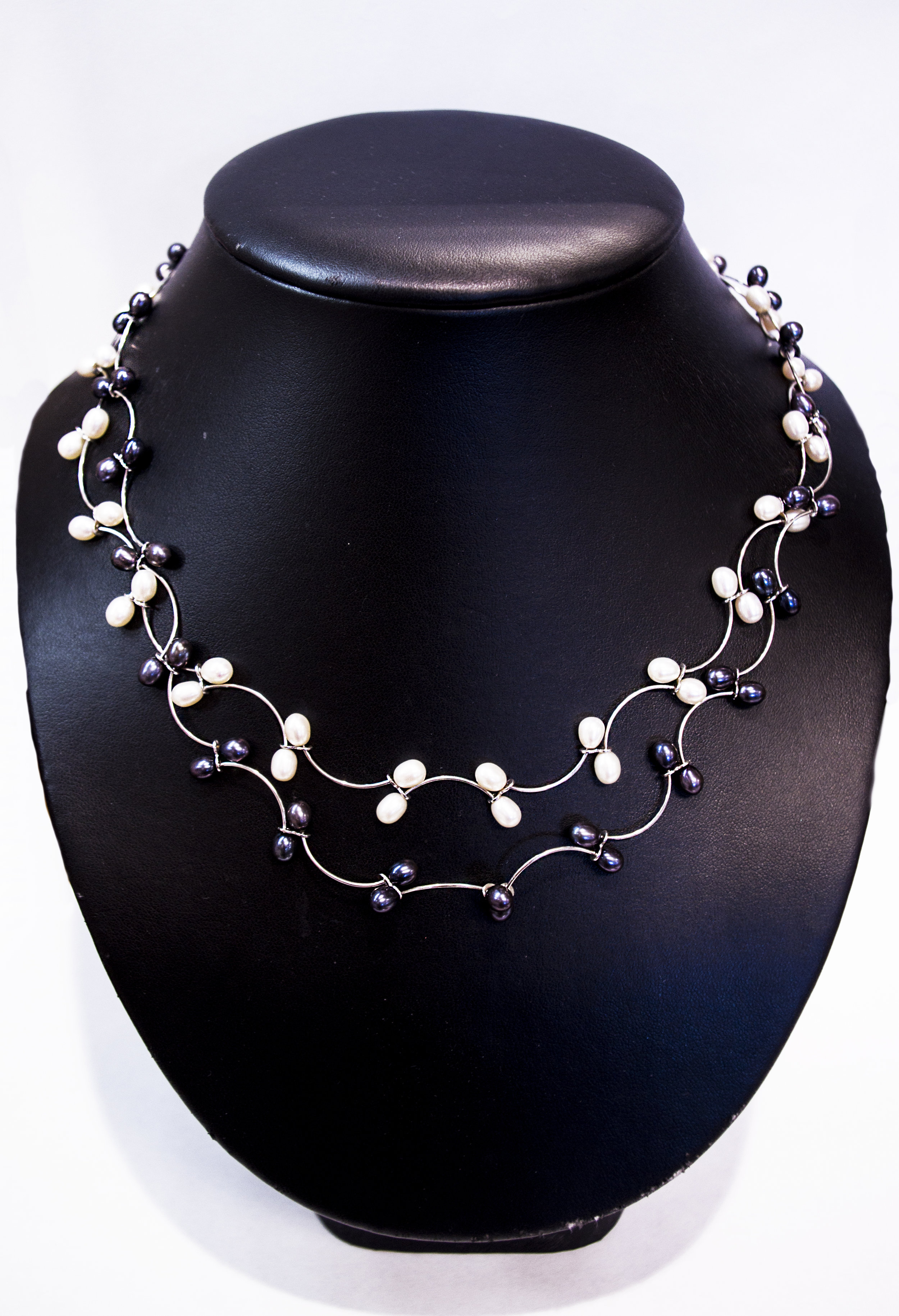 White pearl and Tahitian pearl necklaces with SS.JPG