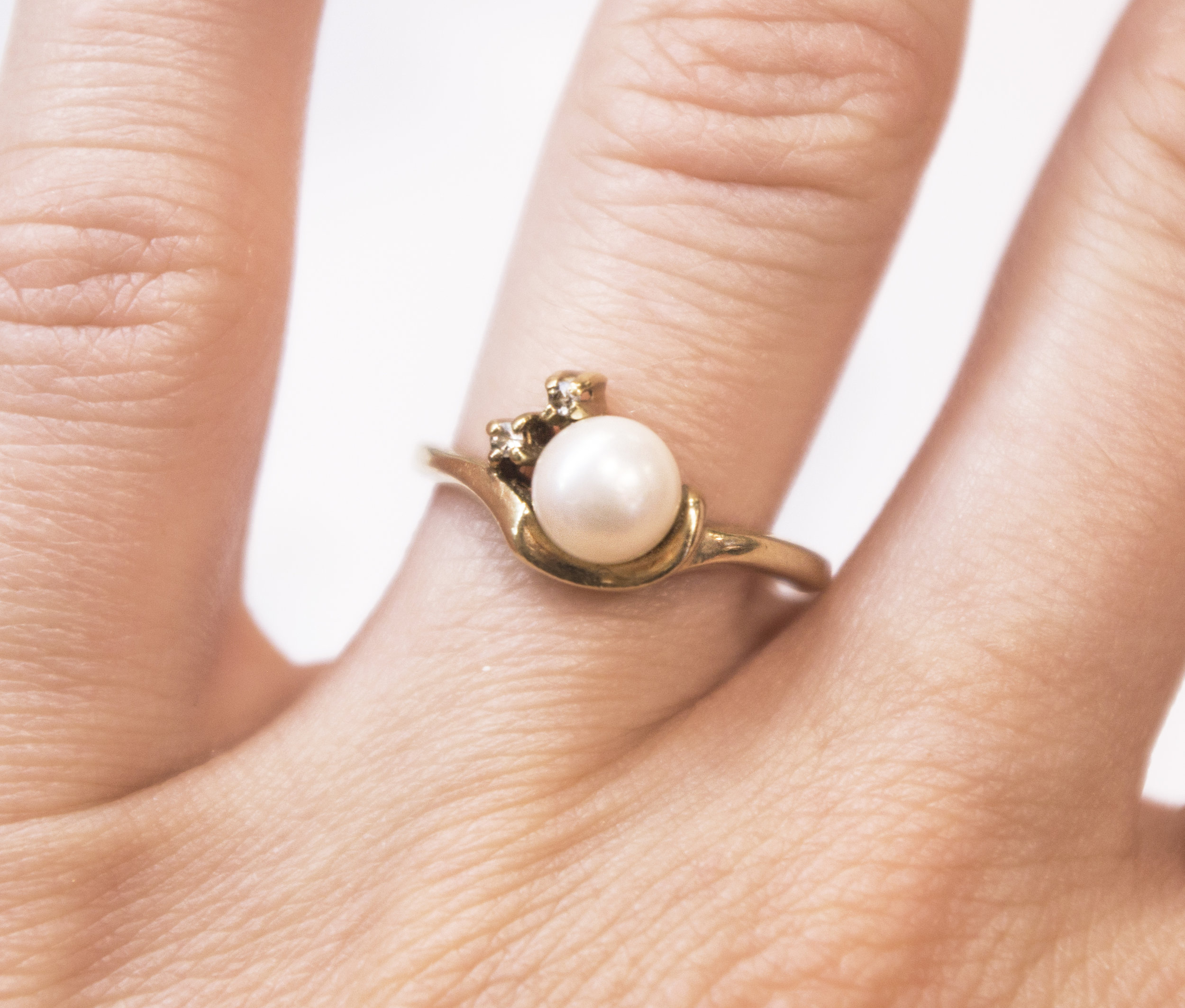 Estate Pearl and Dia in 14KY ring.JPG