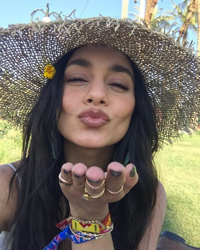 Kissing summer goodbye in style! Venessa Hudgens is featuring our favorite diamond bangles, #BujukanBracelets from @gabrielandco! Luckily, stacking jewelry is in season all year round.😘