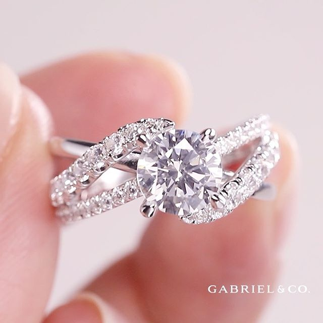 A good relationship grabs attention. Let your ring do the same. 💖 Multiple strands of sparkling diamonds gather at the center stone of this beautiful ring, giving everyone a lot to swoon over! . . #GabrielCoRetailer #GabrielNY #GabrielAndCo #Fadels #UtahJeweler #SLCJeweler #BountifulsJeweler #RealisRare #FamilyJeweler #EngagementRing #Ring #FineJewelry #ShopLocalUtah #WhiteGold #Diamonds #TrueLove #DreamRing #UniqueEngagementRing #BlingRing #RingBling #DiamondLover #DiamondLove #JewelryLover #JewelryLove #JewelleryLove #UniqueRing #BrideToBe #UtahWeddingGoals #WeddingInspiration #RingGoals