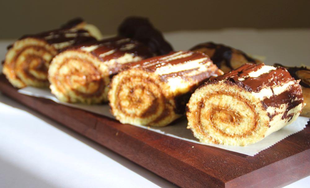 DULCE DE LECHE AND CHOCOLATE LOG CAKE