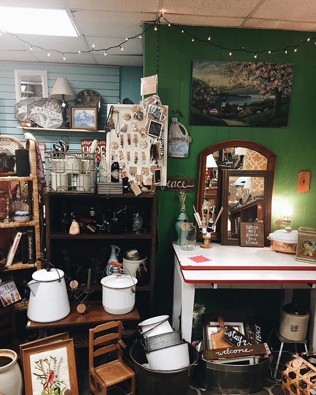 """🎉✨ """"Treat yo' self 2019"""" has begun and we are READY for it! Stop by the shop this weekend and snap up a few things just for you!!✨🎉 #handdcreative #shoplocal #thomsonga"""