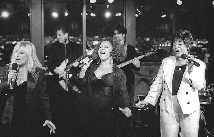 Marianne-Faithfull-Darlene-Love-Merry-Clayton-at-the-Rainbow-and-Stars-NYC1996-web.jpg