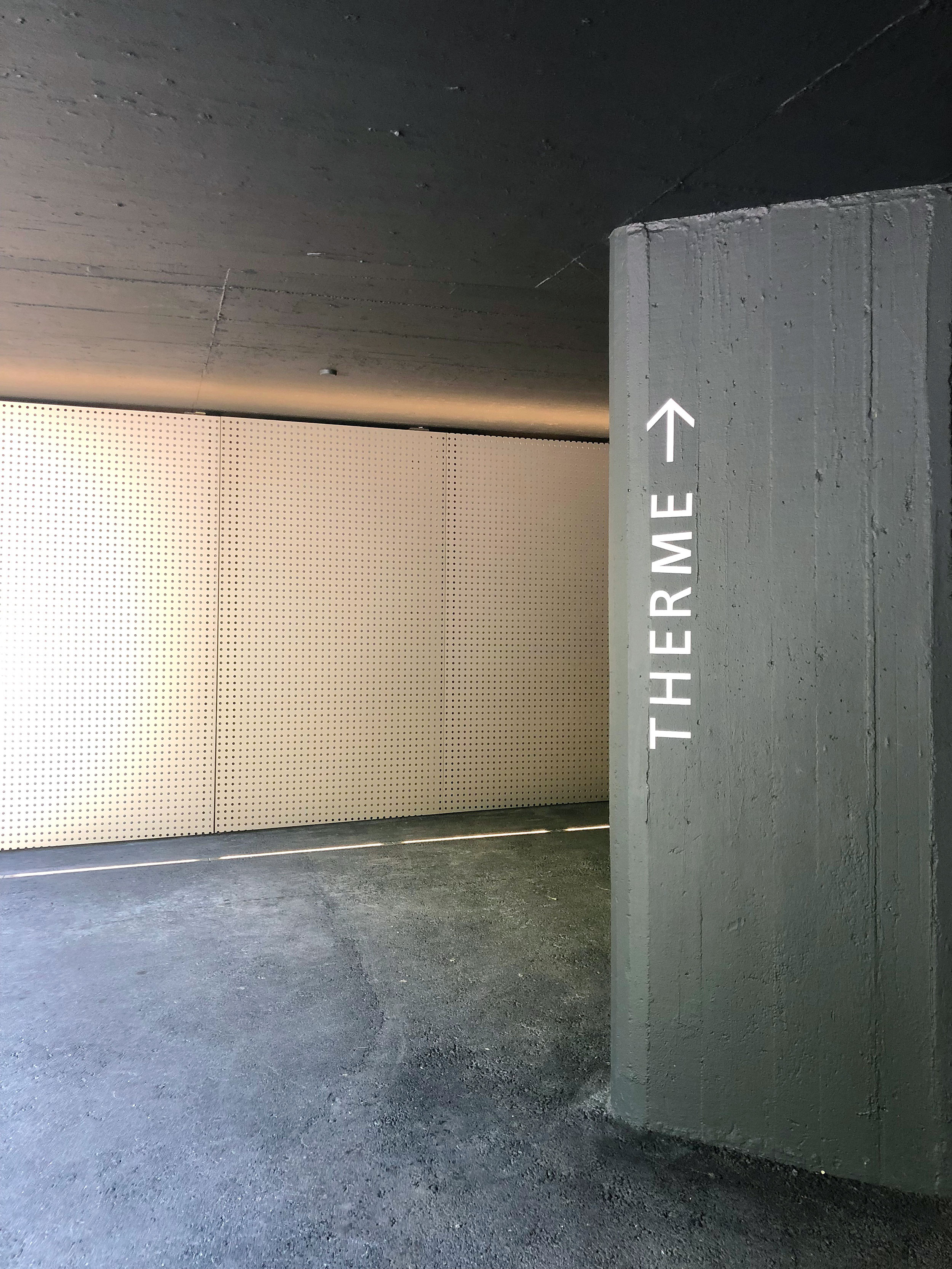 therme-entry-from-exterior.jpg