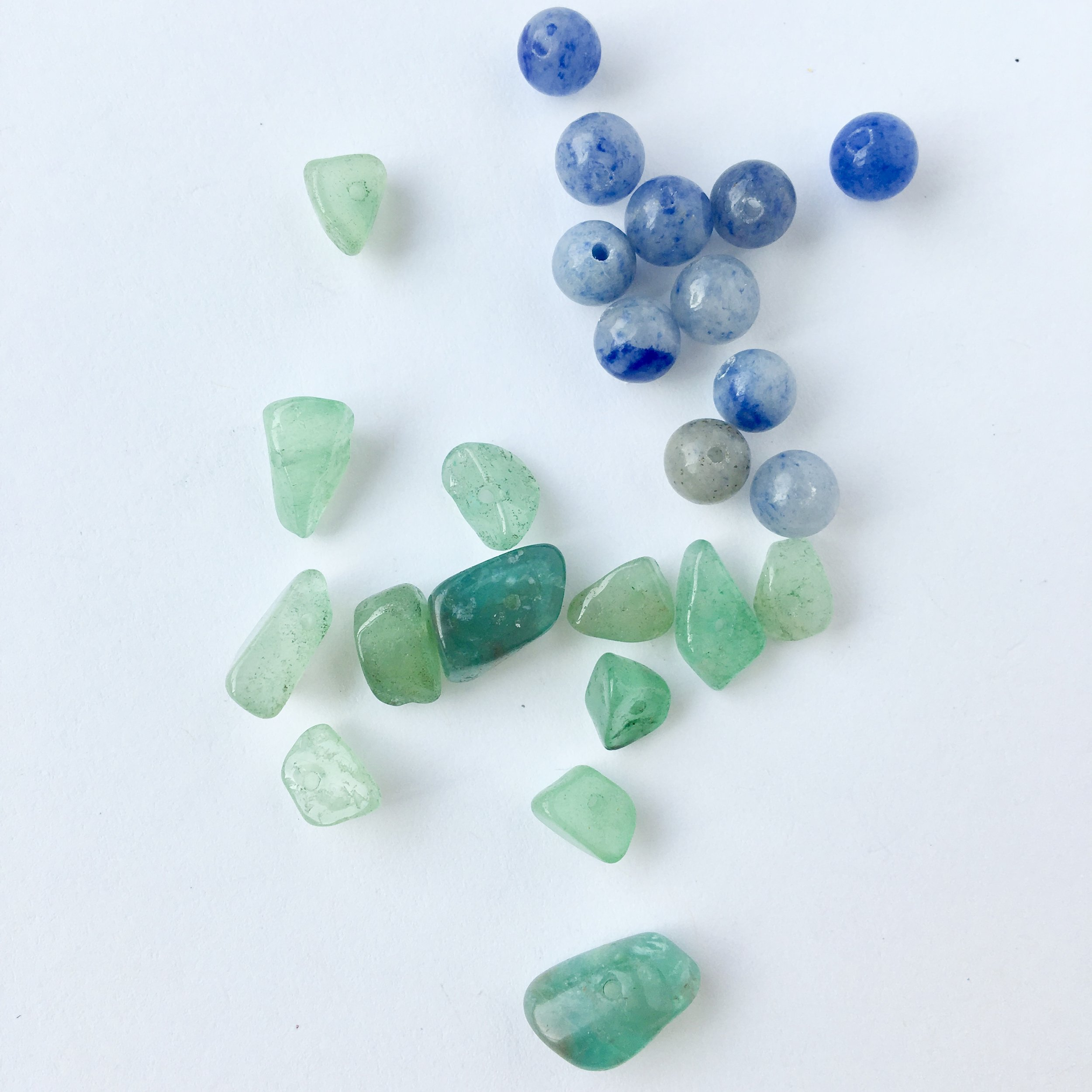 Adventurine: Aids in maintaining optimism, luck and positivity, strength during stress.