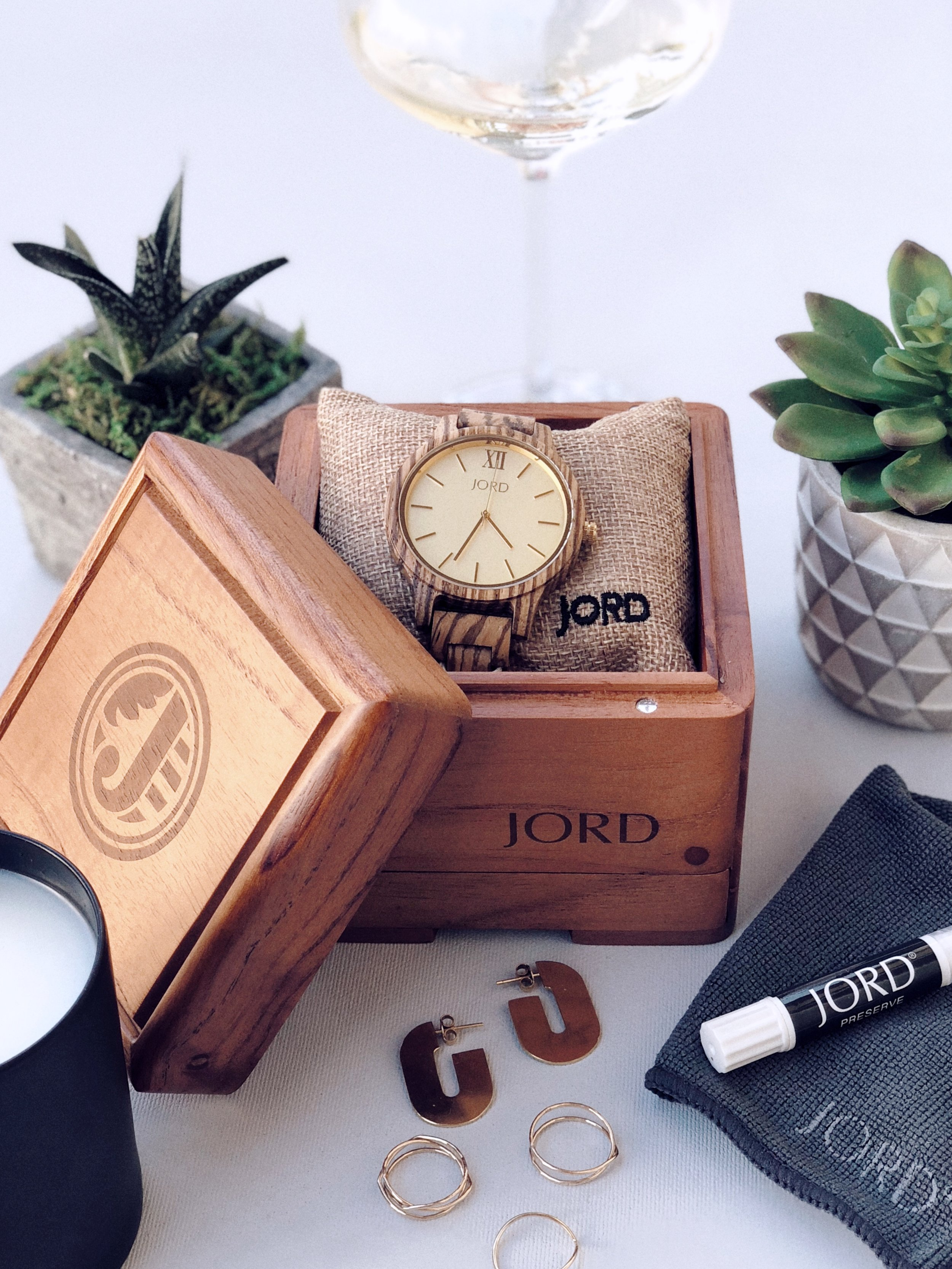 JORD Wood Watch Frankie Series in Zebrawood & Champagne