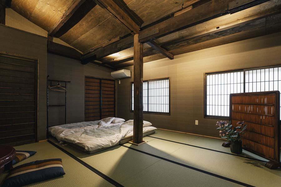 Quadruple Suite - Room 2.jpg