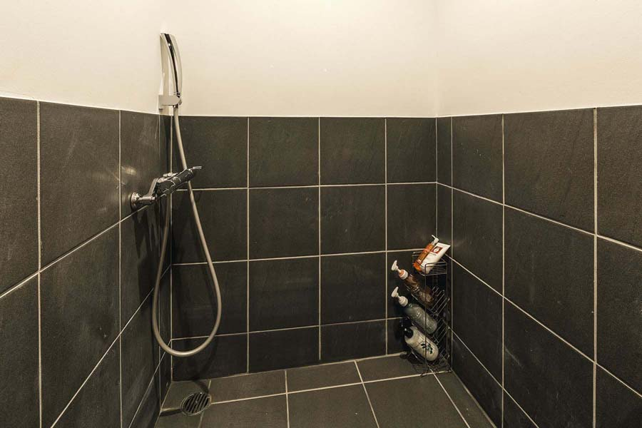 Twin Suite - Shower 1.jpg